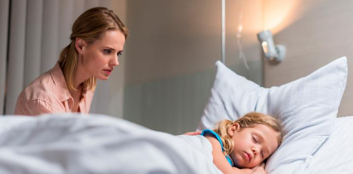 Descubren una enfermedad rara infantil y el fármaco que podría curarla