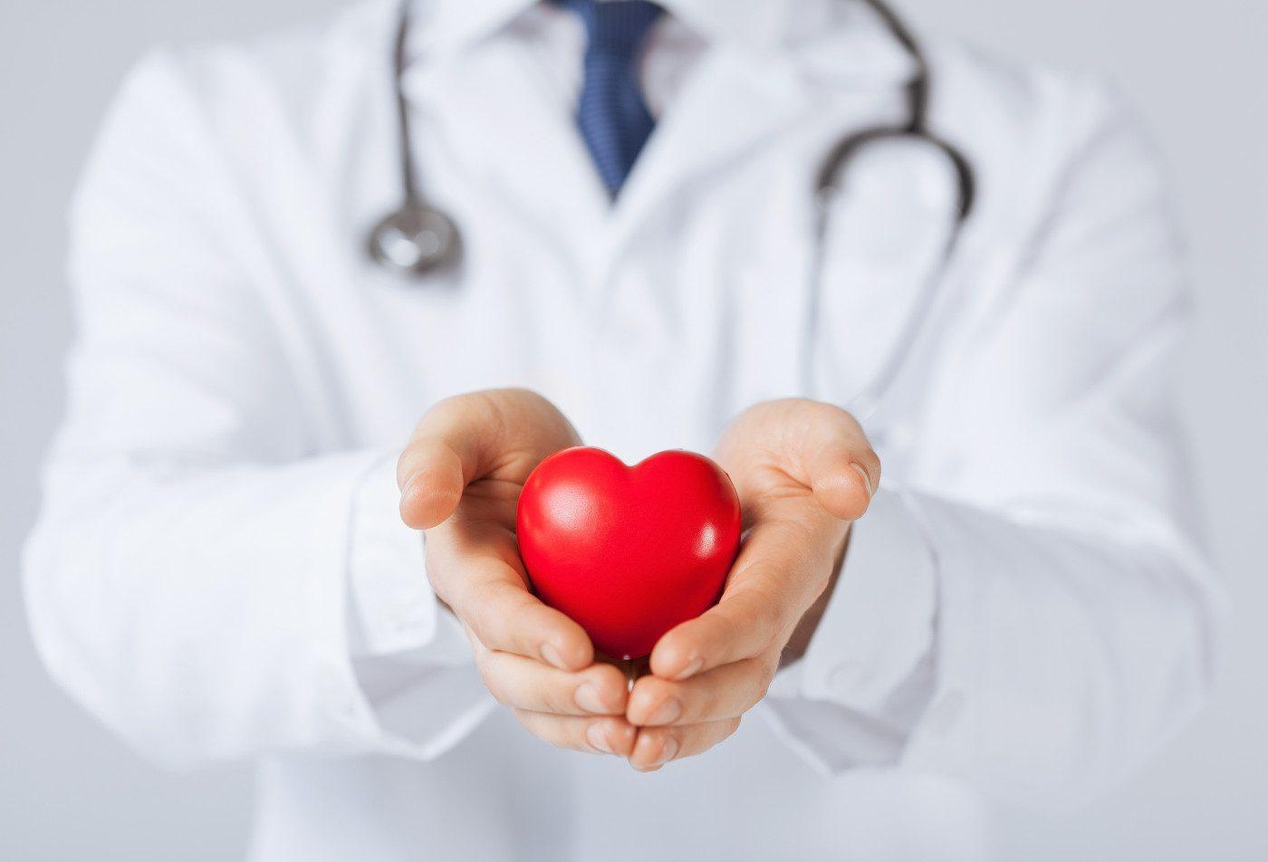 Un estudio sugiere que la mala función cardíaca aumenta el riesgo de muerte temprana después del trasplante pulmonar en pacientes con HAP