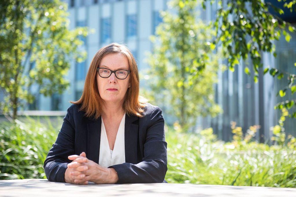 Sarah Gilbert científica que probó la vacuna de COVID–19 en sus hijos