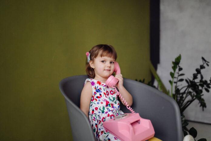 Los niños menores de 5 años enfrentan un mayor riesgo de pérdida auditiva relacionada con medicamento contra el cáncer